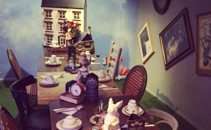 Wonderland Bar & Lounge