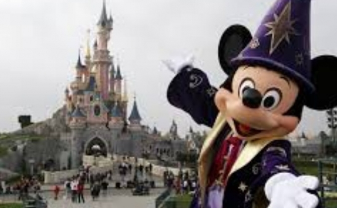 To take childrens on holiday to disneyland Paris
