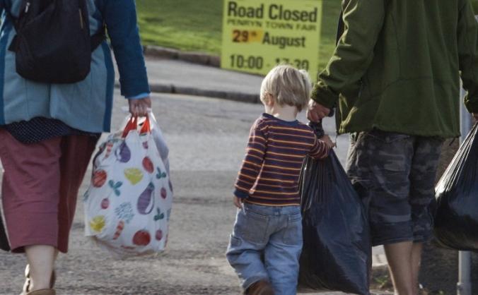Donations for Calais refugees: transport fund