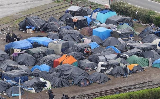 Calais refugee crisis donations for aid