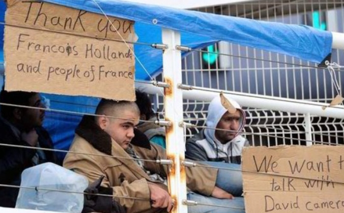 Bringing donations to the refugees in Calais