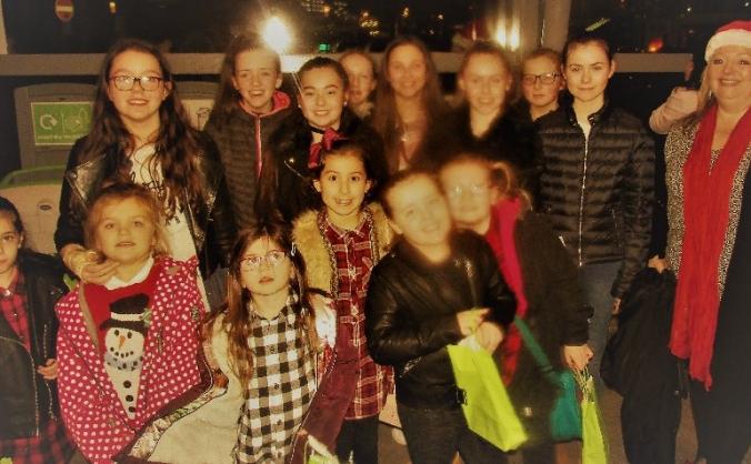 Take 50 Glasgow kids to panto for Christmas treat!