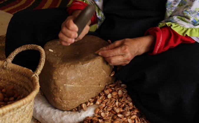 Sustainable Culinary Argan Oil by Moroccan Women