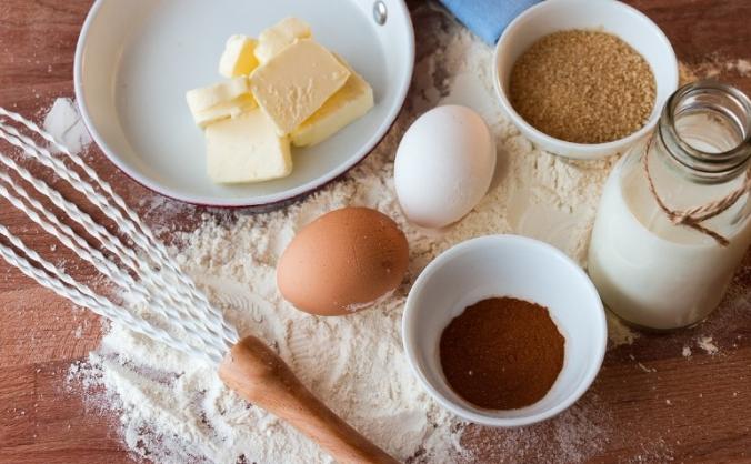 Love Cake: handmade, creative cake bakery.