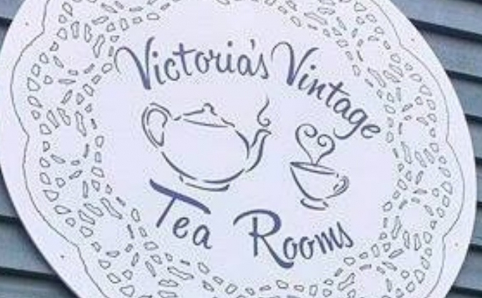Victoria's vintage tea rooms /Victoria's pantry