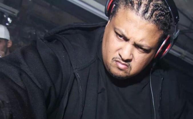 GET DJ DEEON TO BLOC