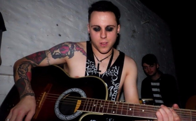 An acoustic evening with Crilly