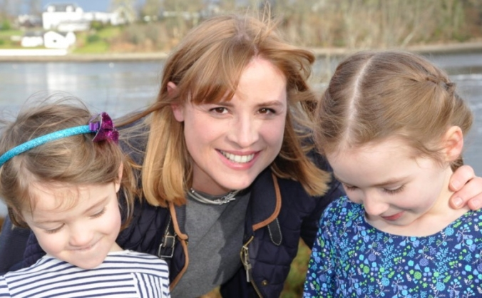Help Fiona To Complete Her Mission for Medicine