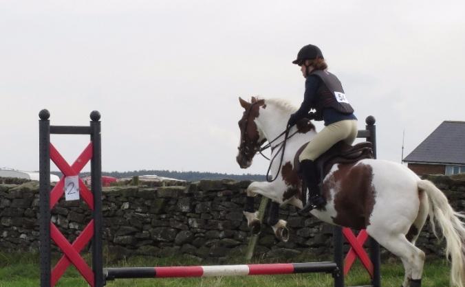 Jumping saddle for 16 year old disabled para rider