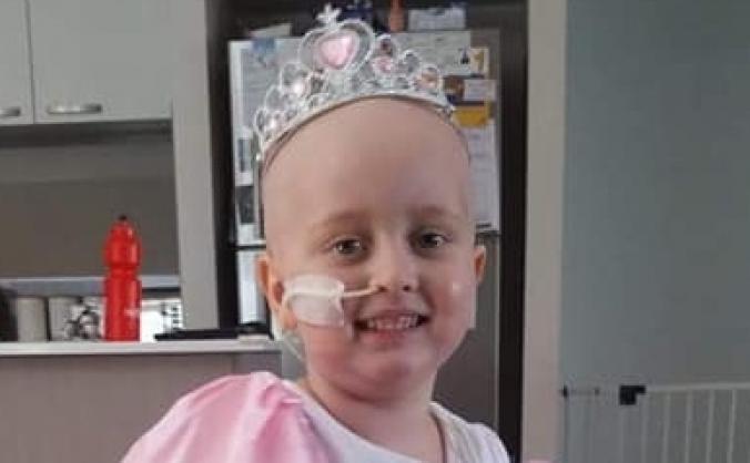 Hair cut to raise money for Lexie who has leukaemi