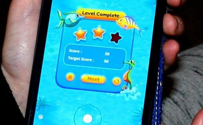 Educational ocean awareness game for smartphones