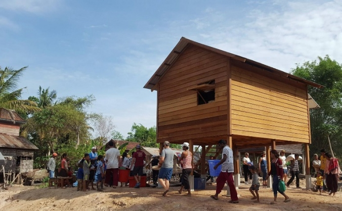 Support volunteers to build houses in Cambodia