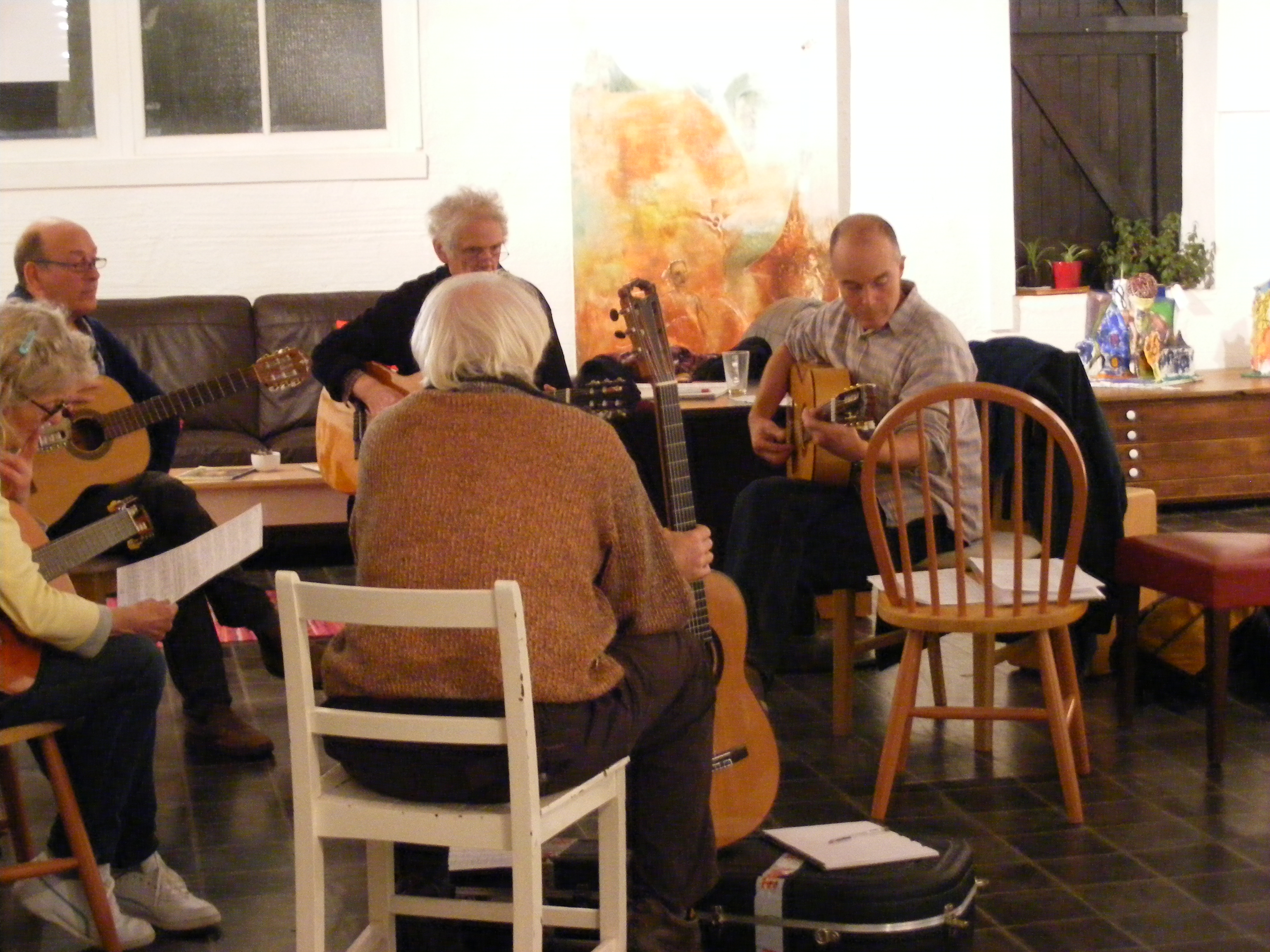 Flamenco guitar class at Redwing