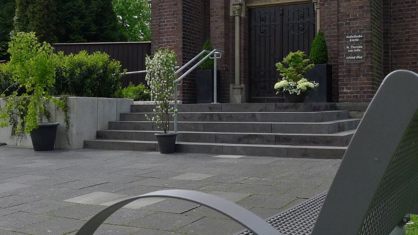 Benches for 20 Churches in London