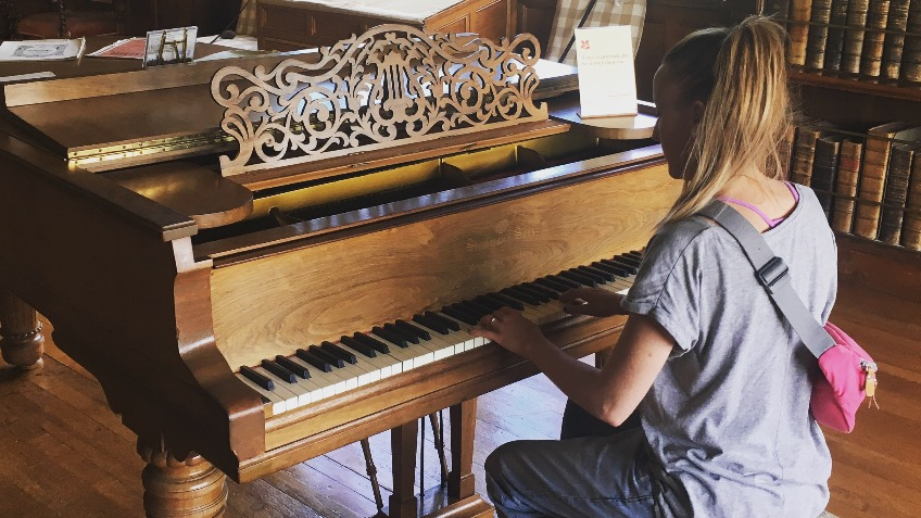 Pop-Up Piano Lessons