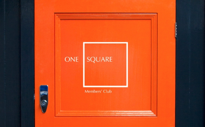 One square club image
