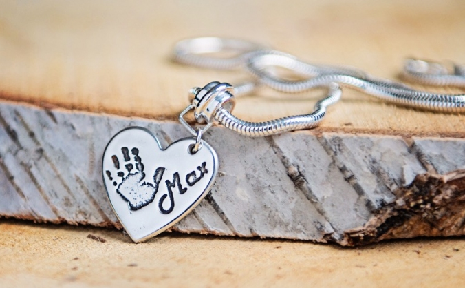 Memory jewellery for bereaved parents image