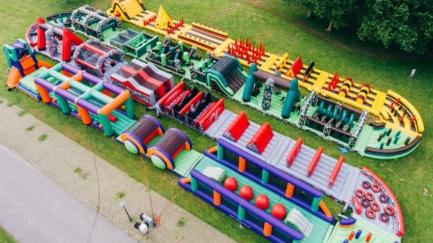 Extreme inflatable adventure warehouse