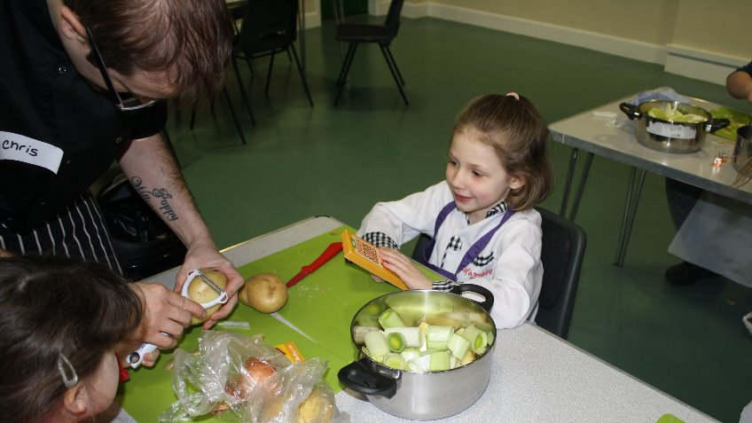 Cookery lessons for children