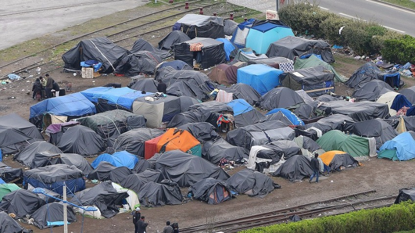 Calais refugee crisis donations for aid