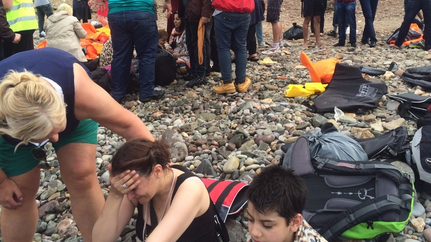 Help refugees in Lesvos