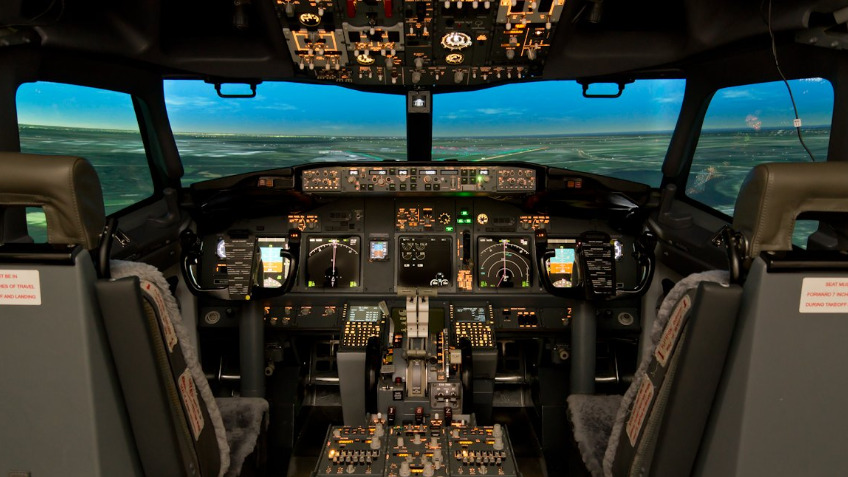 Boeing 737 Flight Simulator Experience - a Business