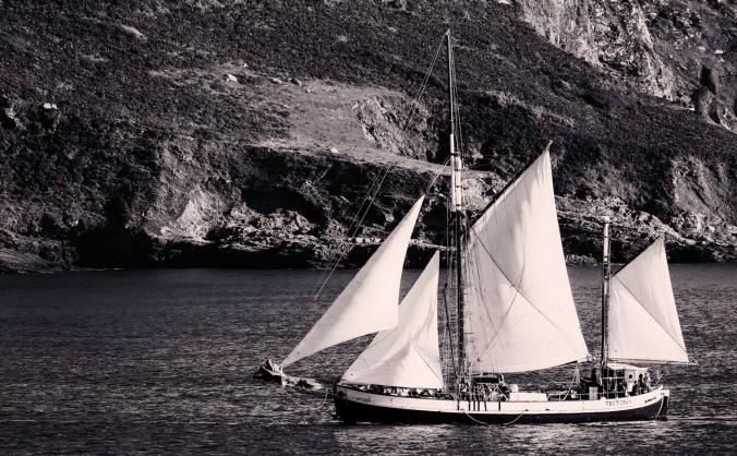 Sailing tectona - new generator and oven image