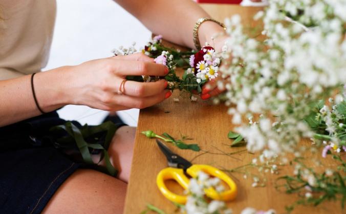 Strength & stem - fighting slavery with floristry image