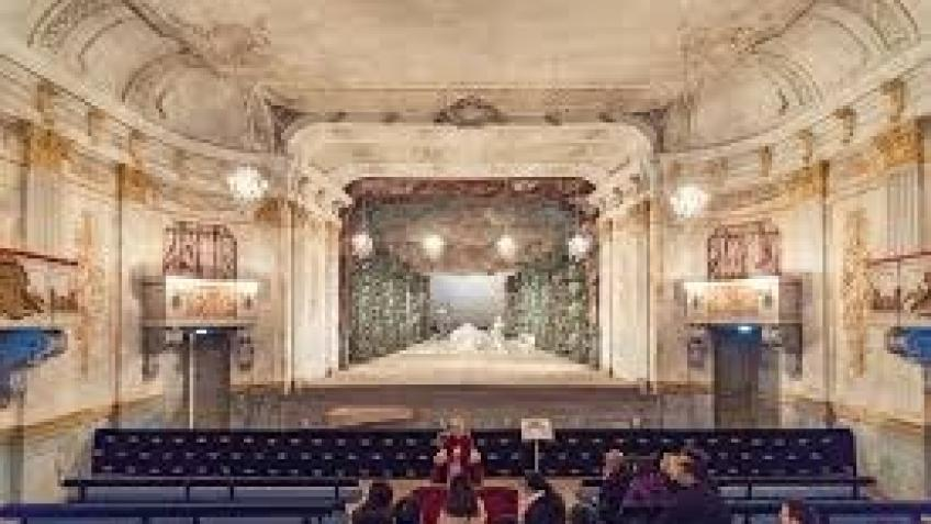 Help Laura sing at Drottningholm Theatre in Sweden