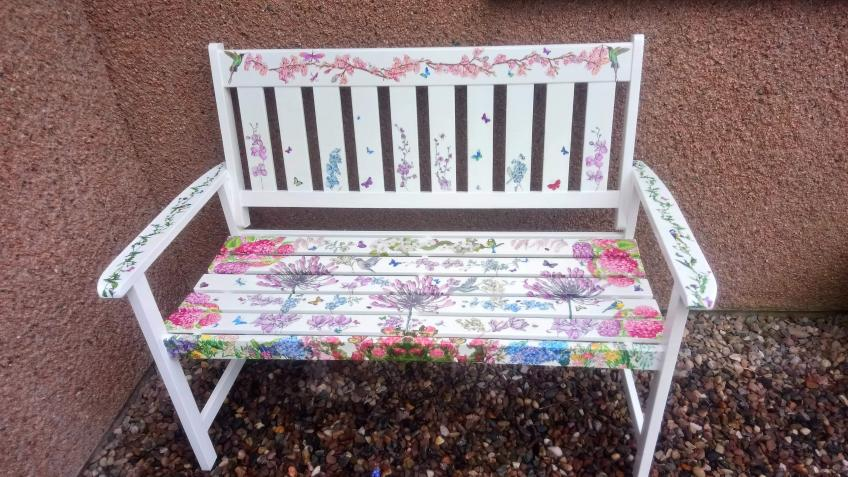 Rainbow Benches for Ninewells Staff