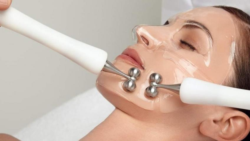 CACI facial machine